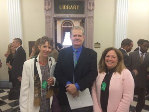 ASCE member, Charles Rowney (center) with Shannon Cunniff, Environmental Defense Fund (left) and Susan Gilson, National Association of Flood & Stormwater Management Agencies (right)